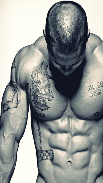 скачати фото мускулистых парней на телефон