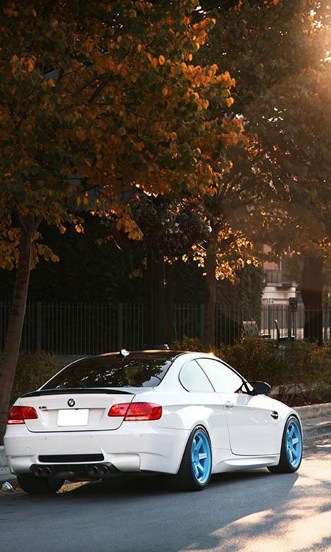 Картинка BMW, IND, осень, солнце, white, бмв, белый, блик, E92 480x800 скачать