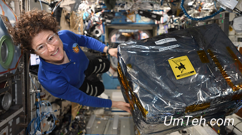 астронавт Кристина Кох с доставкой от НАСА