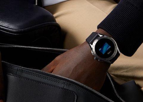 умные часы от TAG Heuer