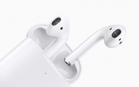 Apple играет с огнем - iPhone 12 без наушников в комплекте